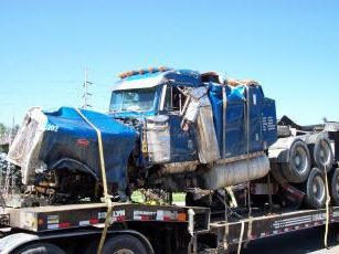 SALVAGE TRUCK AND TRAILER RECYCLING
